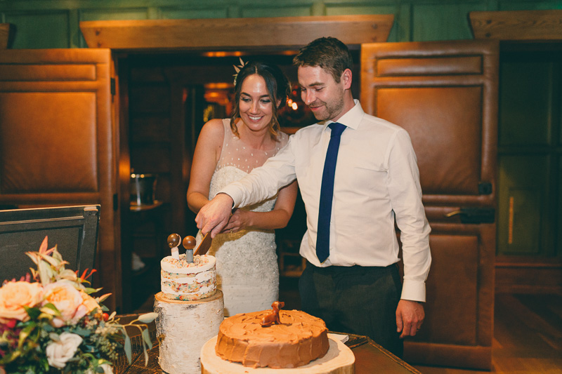 momofuku milk bar new york wedding cake cutting